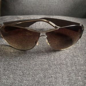 Yves Saint Laurent ladies sunglasses